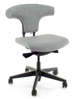 24Designs Torro Bureaustoel EN1335 - Lichtgrijs Wolvilt - Zwarte Kunststof Kruispoot