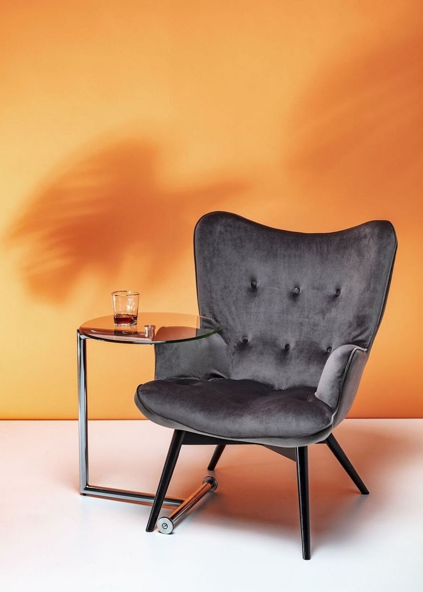 Kare Design Fauteuil Vicky - Fluweel Grijs - Zwarte Houten Poten