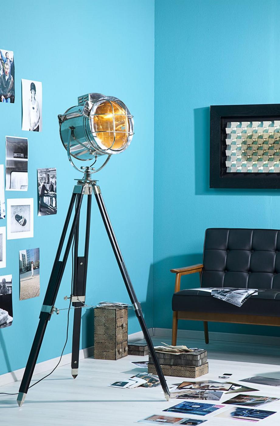 Kare Design - Vloerlamp Metropolis Spot - Chroom - Houten Poten